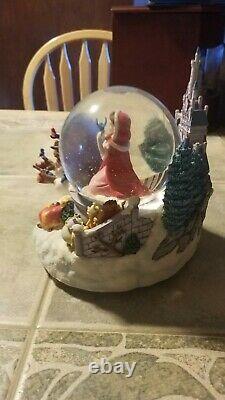 Disney BEAUTY AND THE BEAST Snow Globe Bird Feeding Scene Musical H 8